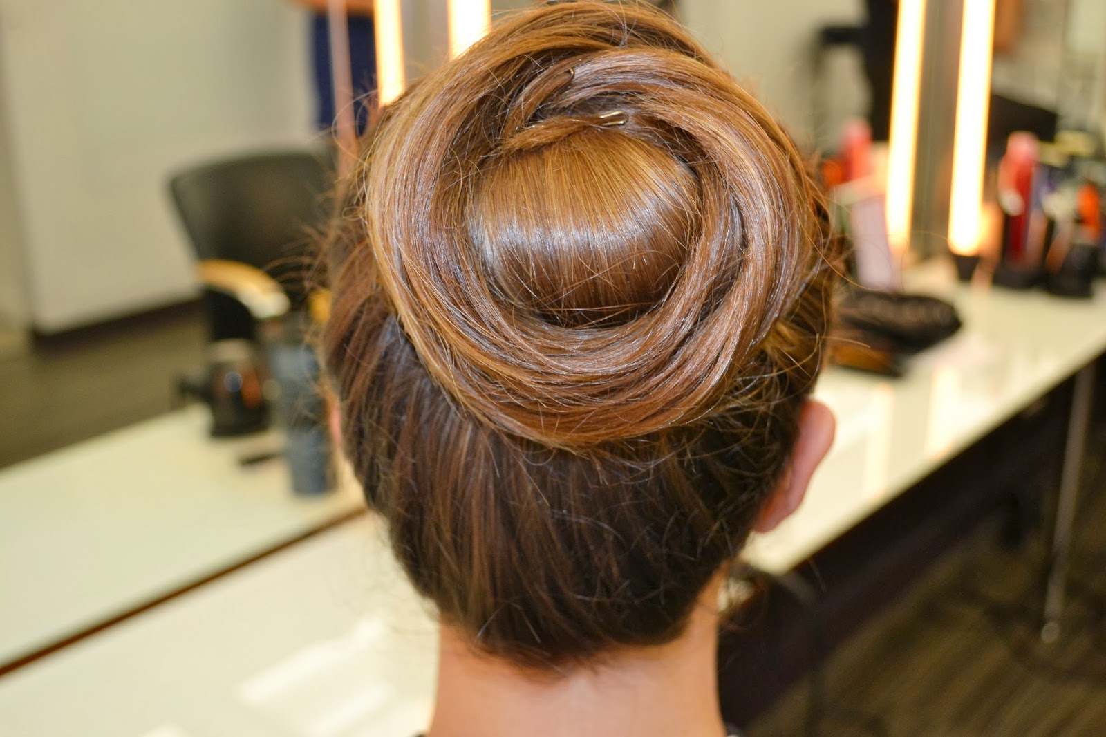 Choosing The Right Hairstyle For Women 50 And All Facial